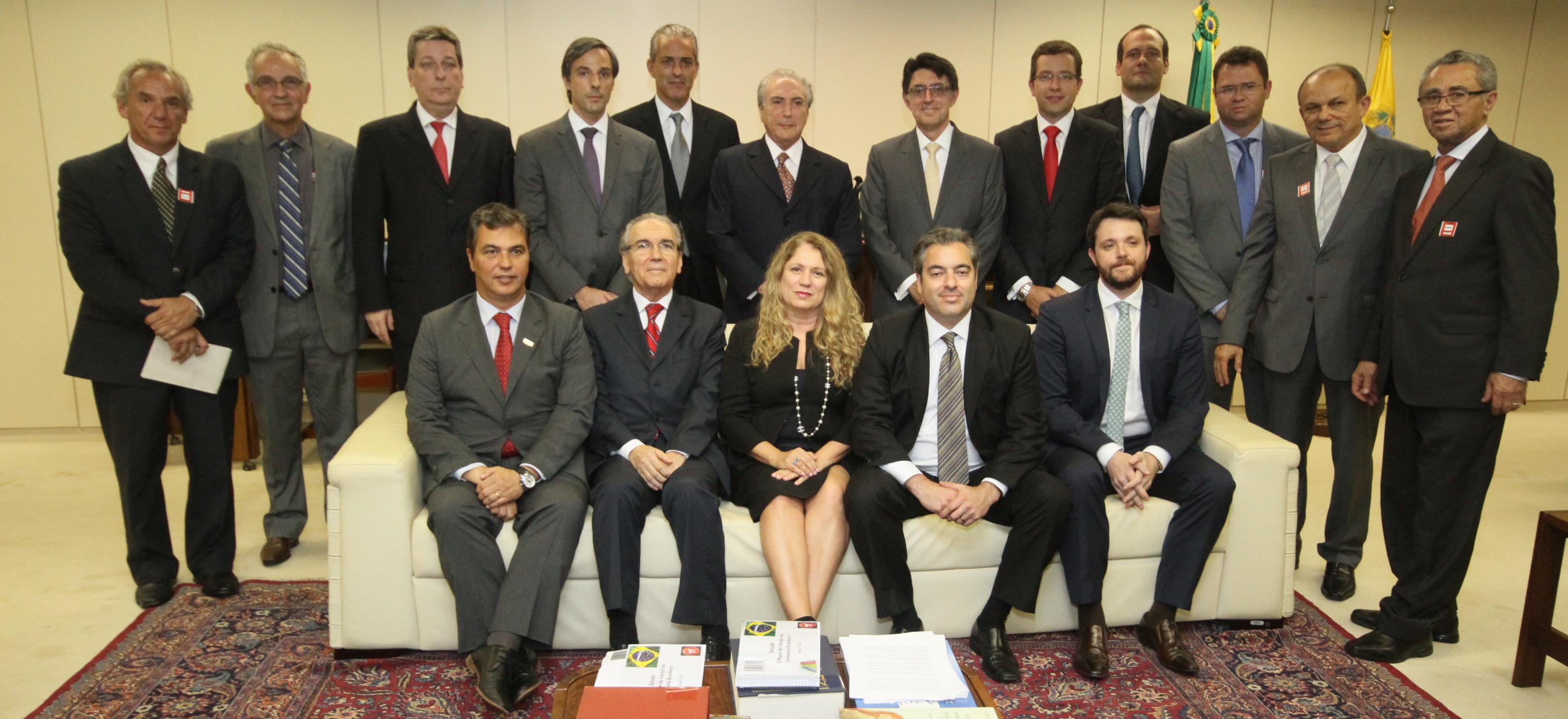 VAREJO E GOVERNO: Representantes buscam diálogo com o Vice-Presidente Michel Temer